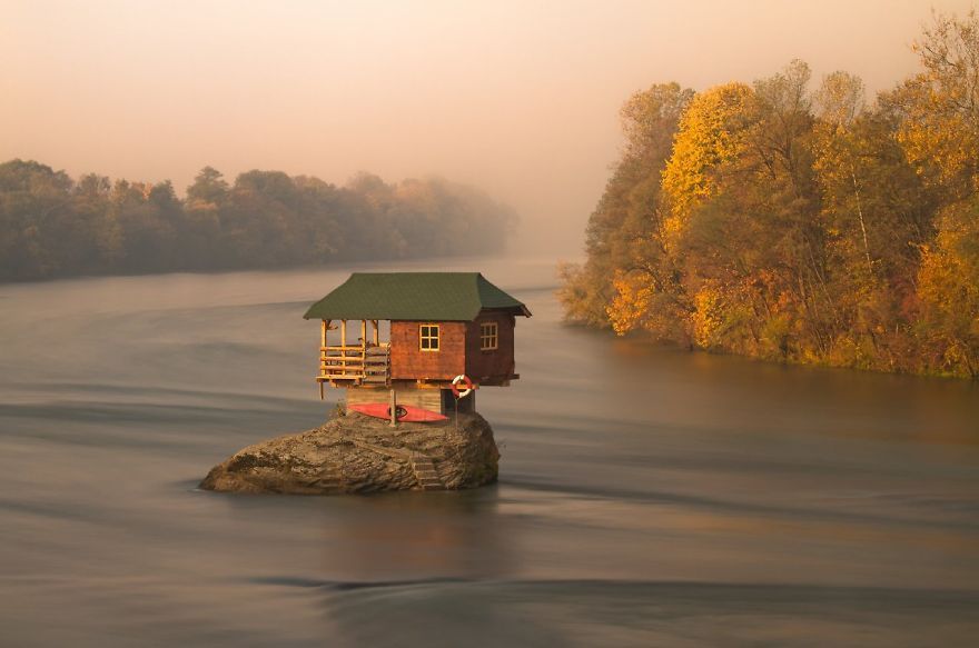 small-house-grand-nature-landscape-photography-301__880