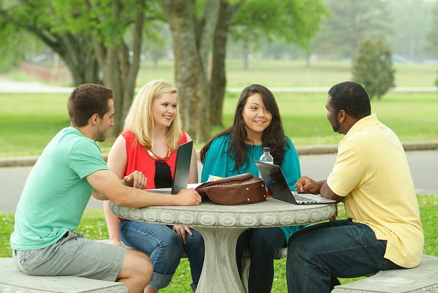 studying-703002_640